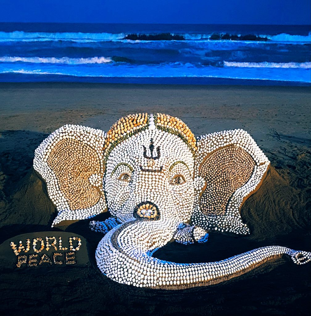 the world's first Seashells with sand installation art of Lord Ganesh